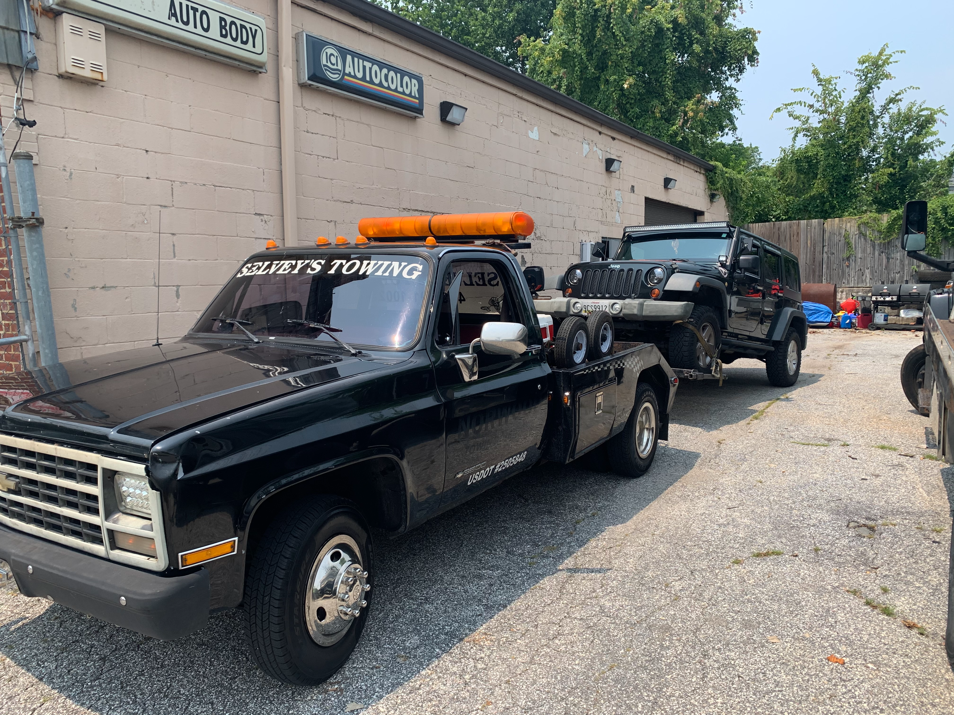 Selvey's Towing LLC. Towing.com Profile Banner