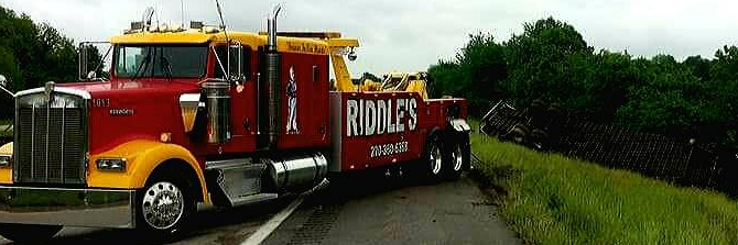 Riddles 24 Hour Towing and Lockout LLC Towing.com Profile Banner