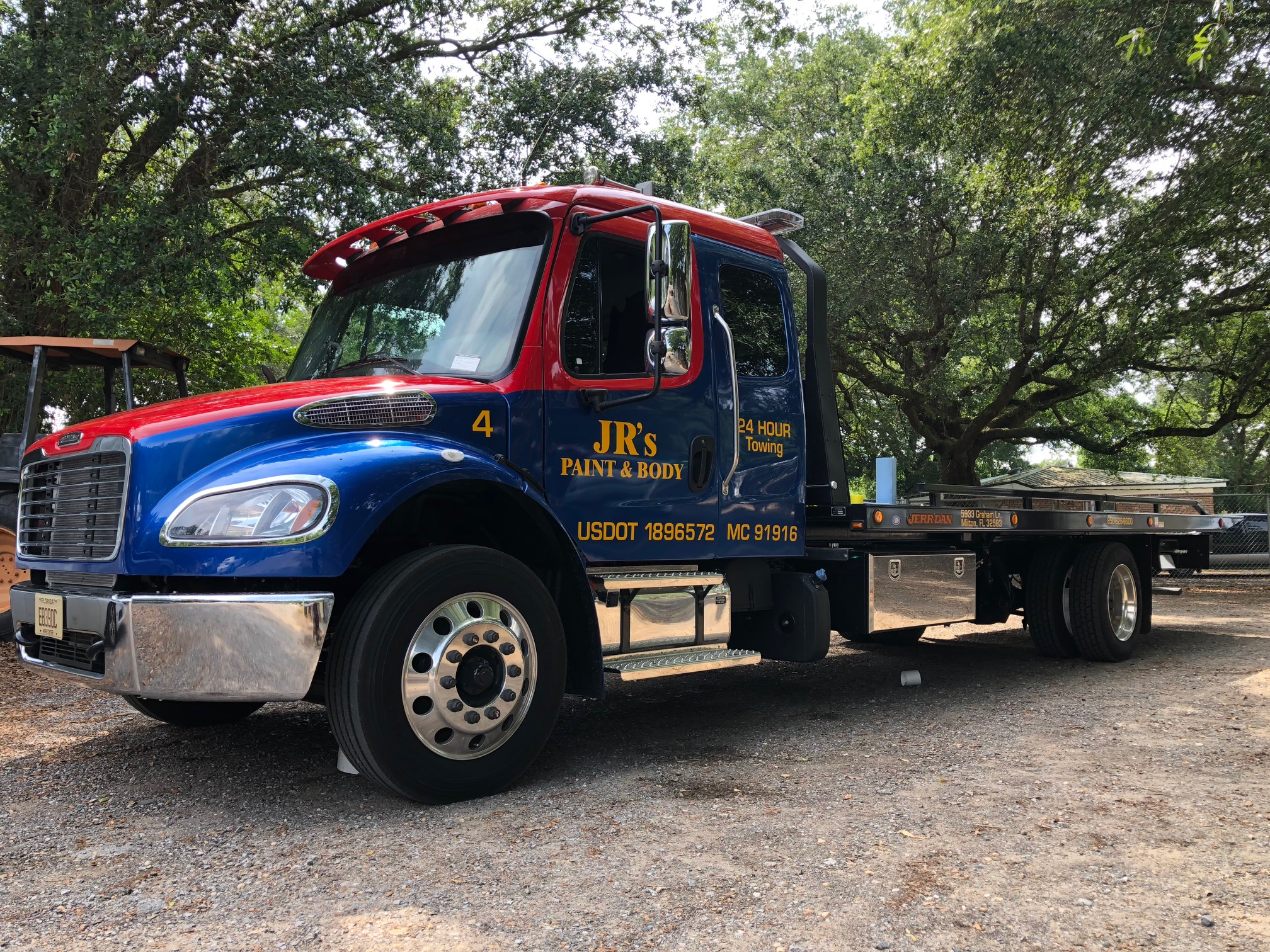Jr's Paint and Body Towing Towing.com Profile Banner