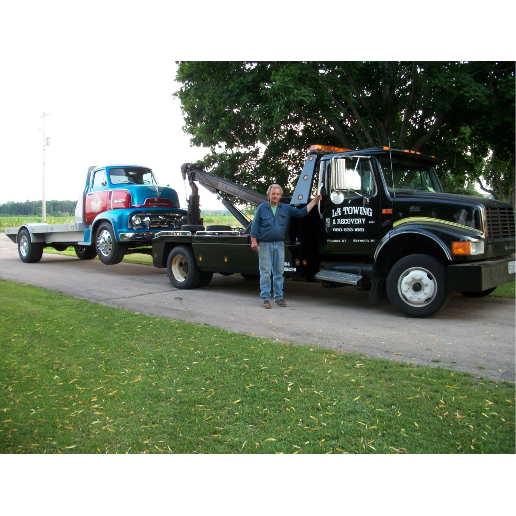 L A Towing & Recovery LLC logo