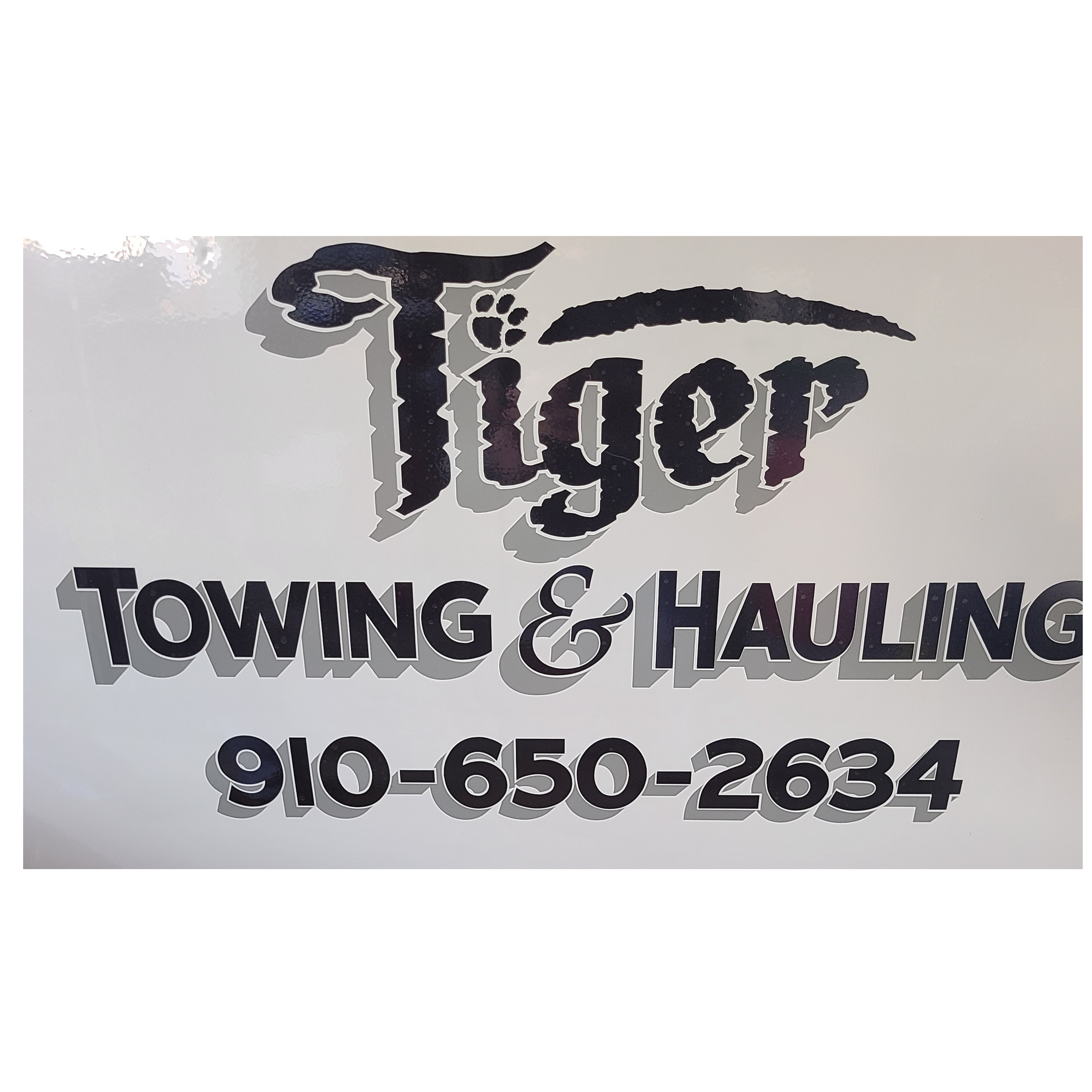 Tiger Towing & Hauling logo