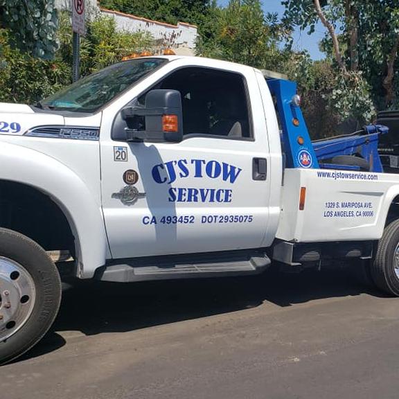 CJ's Tow Service logo