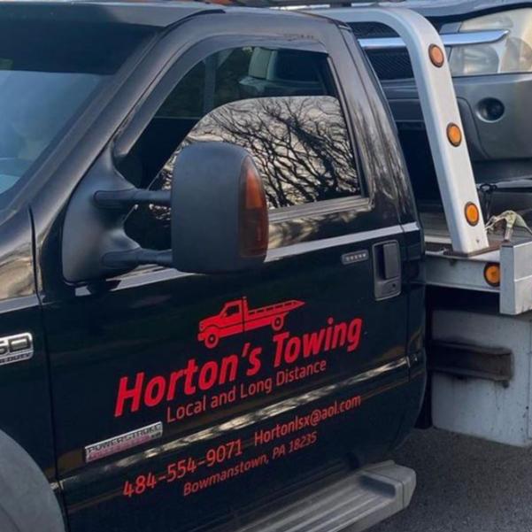 Horton's Towing logo