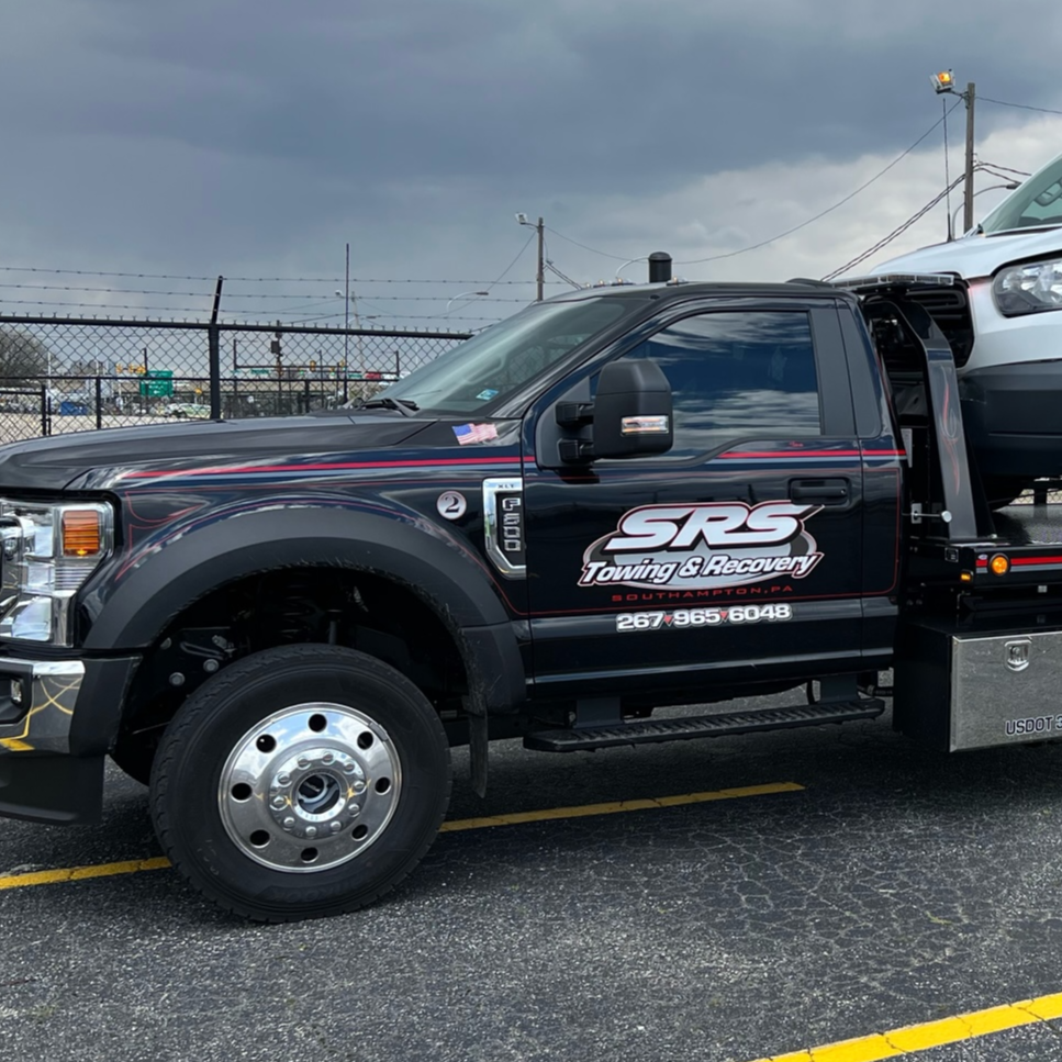 SRS Towing & Recovery logo